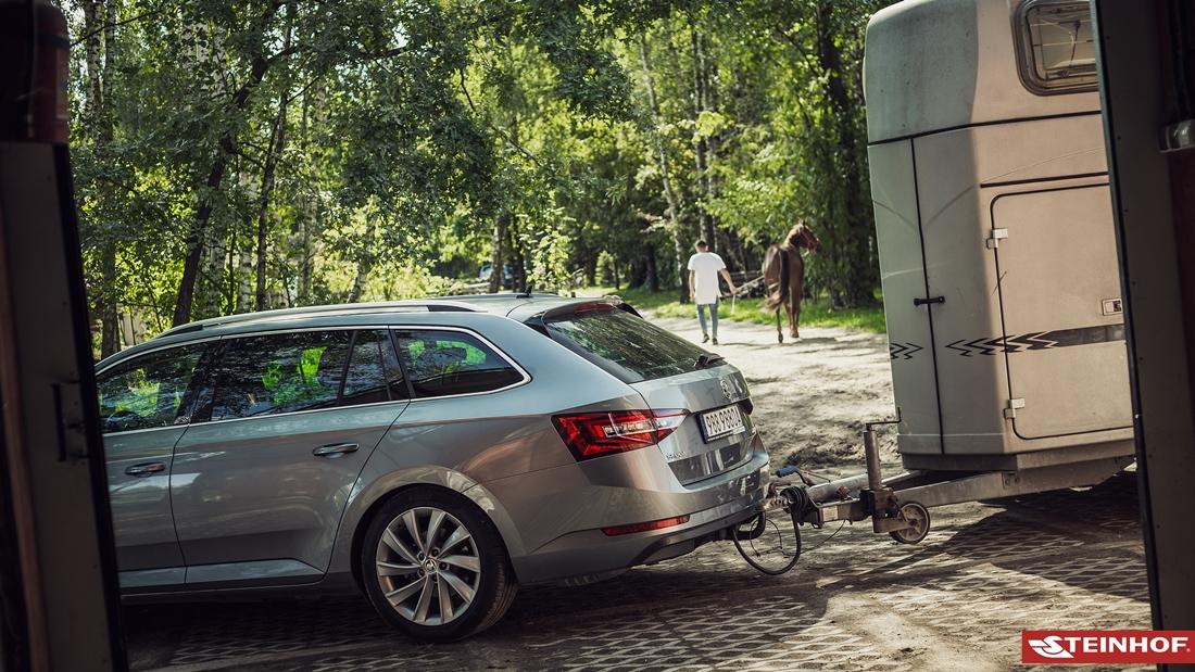 BMW-5er-G30-Stufenheck-auch-M-Sportpaket-ab-17-Anhaengerkupplung-abn-ES-13p-spez Indexbild 11
